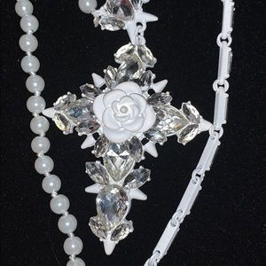 Gorgeous cross, necklace! ERICK BEAMON ROCKS